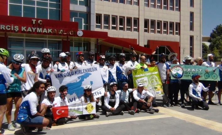 Bisiklet Festivali ile Van Gölü'nün kirliliğine dikkat çekildi