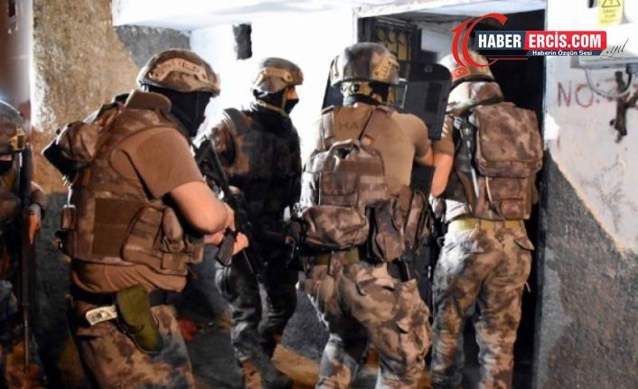 Van'da ev baskınları: 17 gözaltı