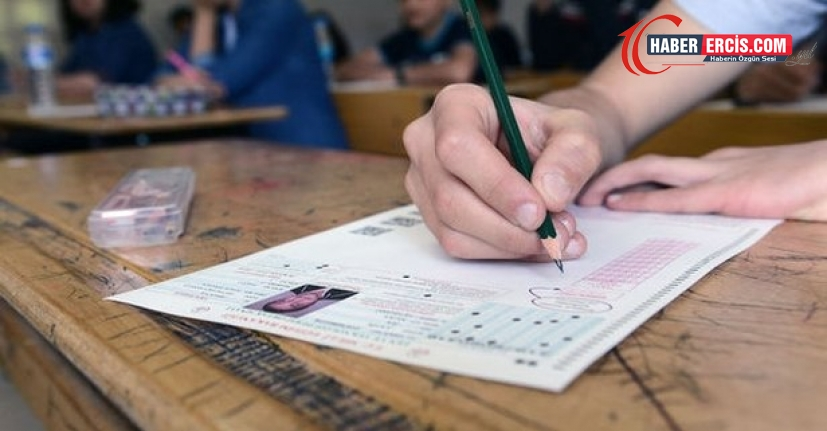 'AKP milyonlarca öğrencinin geleceğiyle oynuyor'