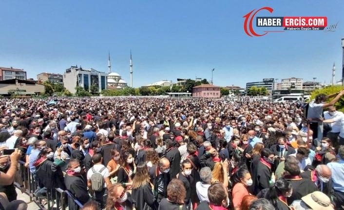 Binlerce avukat Çağlayan'dan seslendi: Yasayı çek