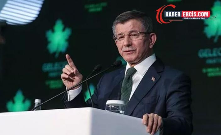 Davutoğlu: Liyakatsız bir bakanı Türkiye'nin başına getirmek için PR kampanyası yapıyorlar
