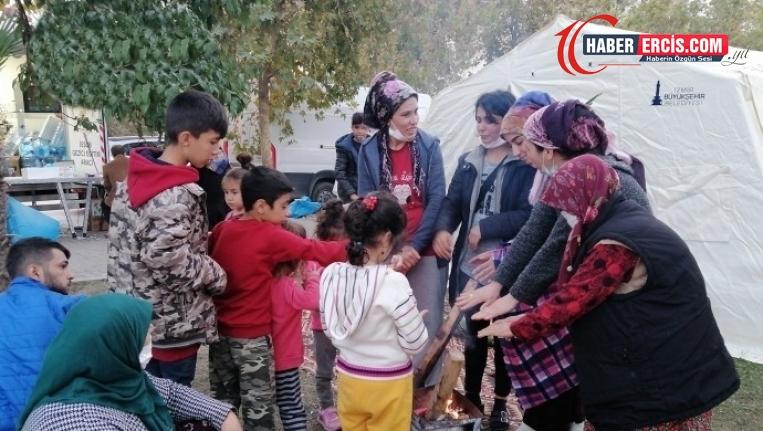 Depremzede kadınlar ihtiyaçlarının karşılanmasını istedi