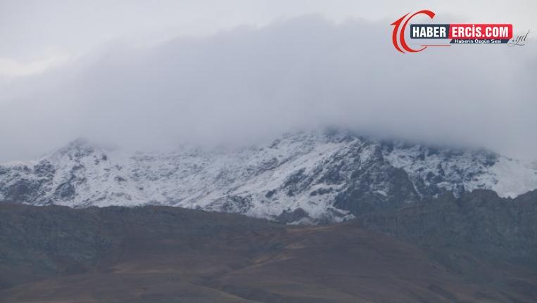 Erek Dağı beyaza büründü