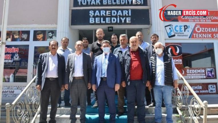 AKP'li belediyeden 21 ayda 'dev' hizmet: Bir taş, bir çöp