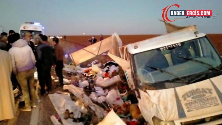 Tarım işçilerini taşıyan kamyonet devrildi: Biri ağır 22 yaralı