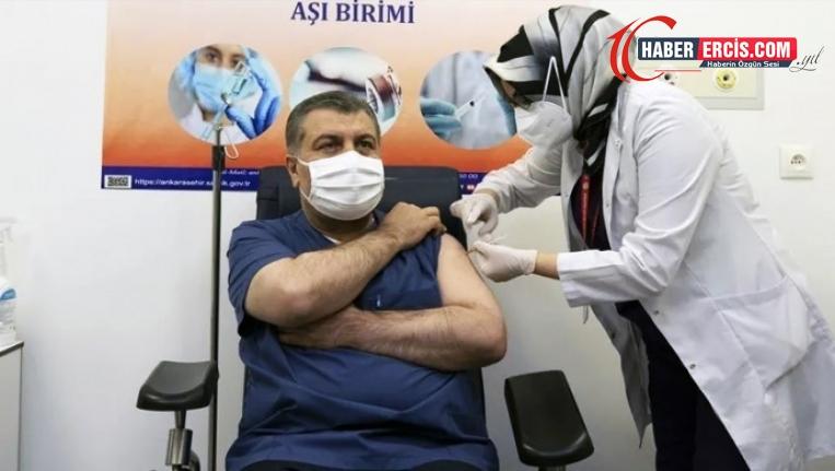 Koca, siyasi parti genel başkanlarını aşı olmaya davet etti