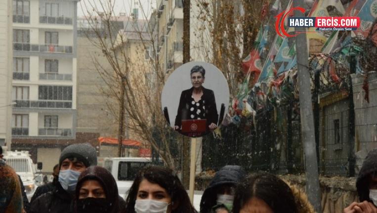 Van'da Eş Başkanlar: 'Leyla içeride biz dışarıda kadınların sesi olacağız'
