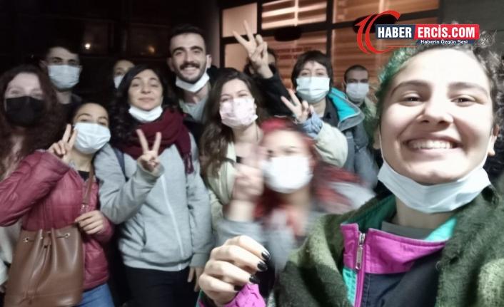 İzmir Valiliği'ne tepki: İki kadına çıplak arama dayatıldı