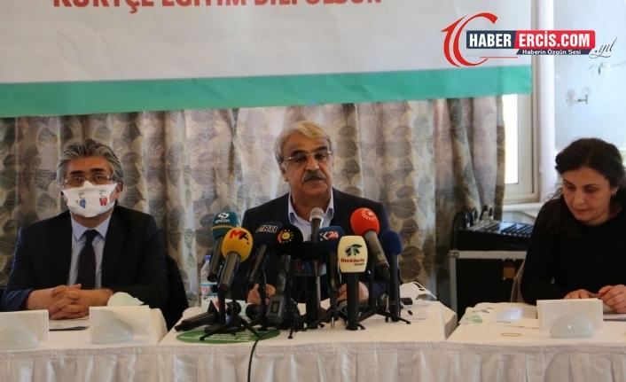Kürtçe için imza kampanyası: Ülke dil mezarlığına dönüştürüldü