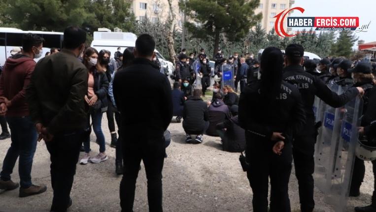 Diyarbakır'da tecrit protestosu