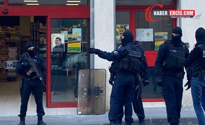 Fransa'da gözaltına alınan 13 Kürt'ten 7'si tutuklandı