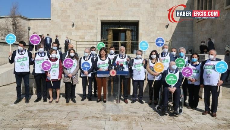 HDP Grup Başkanvekilleri: Fezlekeler siyasi kumpasın devamıdır