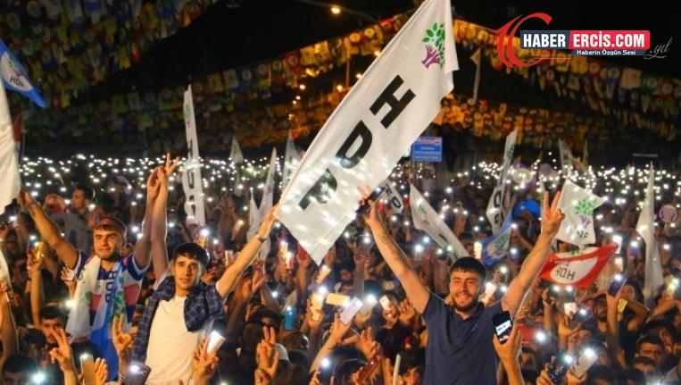 HDP'ye destek, AKP'ye tepki TT oldu