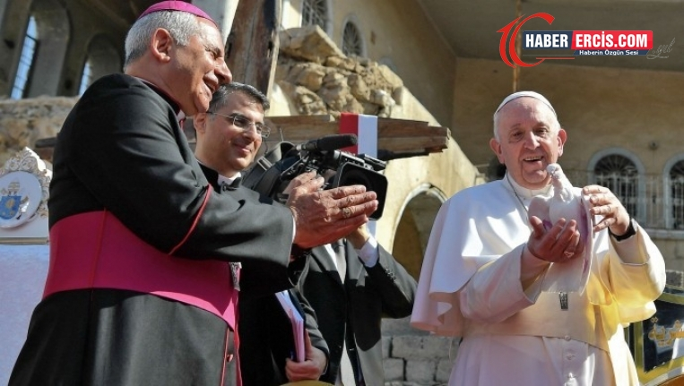 Papa DAİŞ saldırılarında yaşamını yitirenler için ayin düzenledi