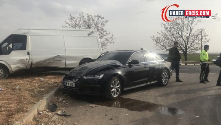 Urfa'ya gelen İyi Partili Akşener'in konvoyu kaza yaptı