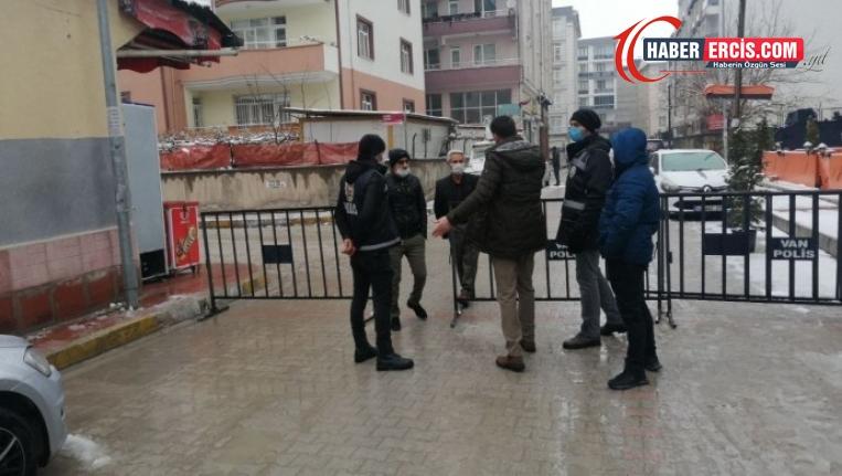 Van'da HDP binasının bulunduğu sokak tekrar kapatıldı