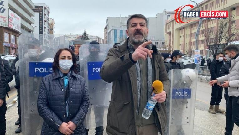 Van'da Valilik önünde eylem yapan Sarısaç: Geri adım atmayız