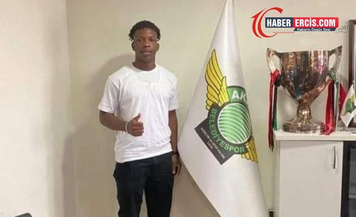 Akhisarspor'un devre arası transfer ettiği Onyebueke'nin futbolcu olmadığı ortaya çıktı
