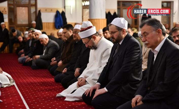 Diyanet Başkanı : Kapanma günlerinde camilerde cemaatle namaz kılınacak
