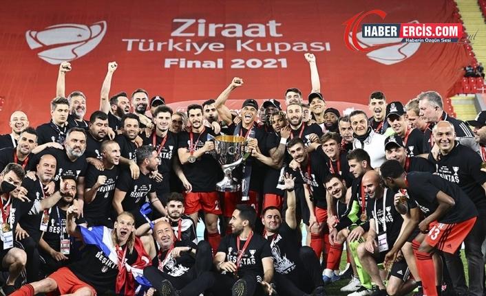 Beşiktaş'tan çifte kupa çifte Şampiyonluk