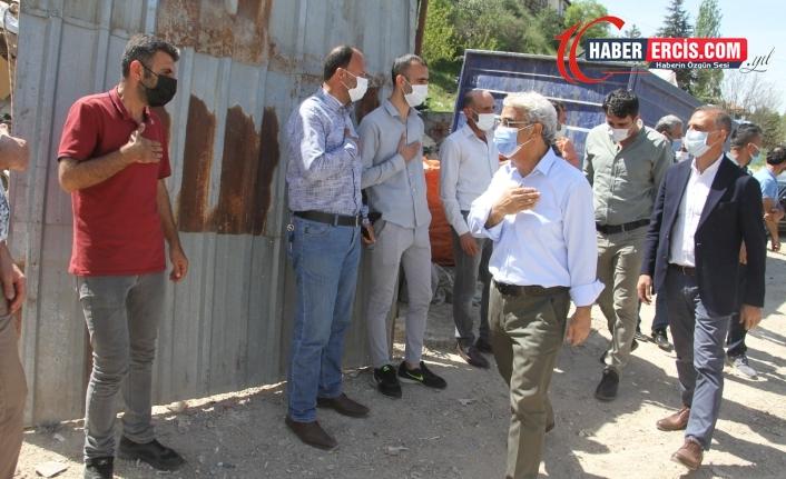 Sancar atık kağıt işçileriyle bir araya geldi