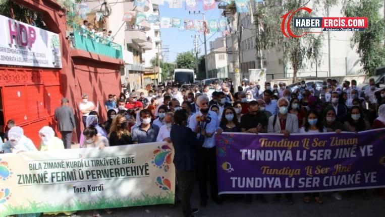 Cizre'den seslendiler: Kürt dili resmi ve eğitim dili olsun