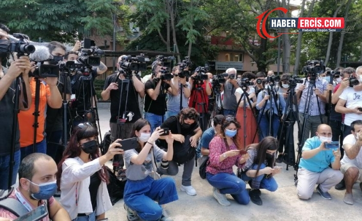 Haziran'da 87 gazeteci bin 670 yıl hapis istemiyle yargılandı