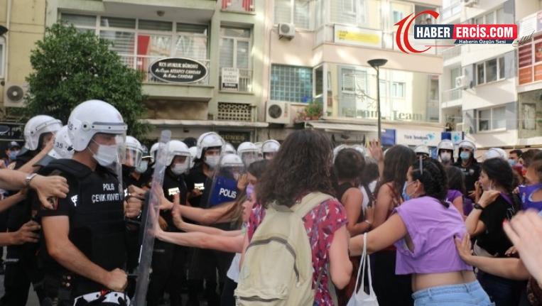 İzmir'de kadınlara polis müdahalesi
