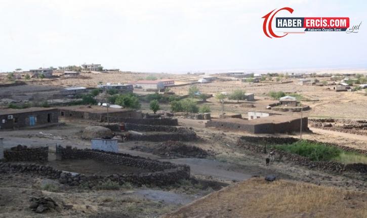Nüfusu 890 kişi olan köyde bin kişinin AKP'ye geçtiği iddia edildi