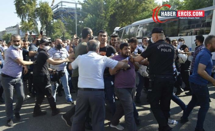 """""""Tirşikçî kapitalistleri"""" protesto eden 10 tütüncü tutuklandı"""