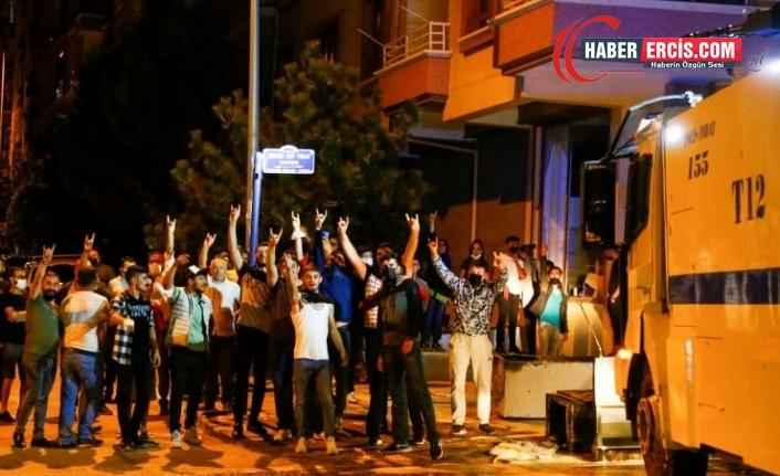 'Mültecilere saldırıların sorumlusu iktidar ve çanak tutan CHP'