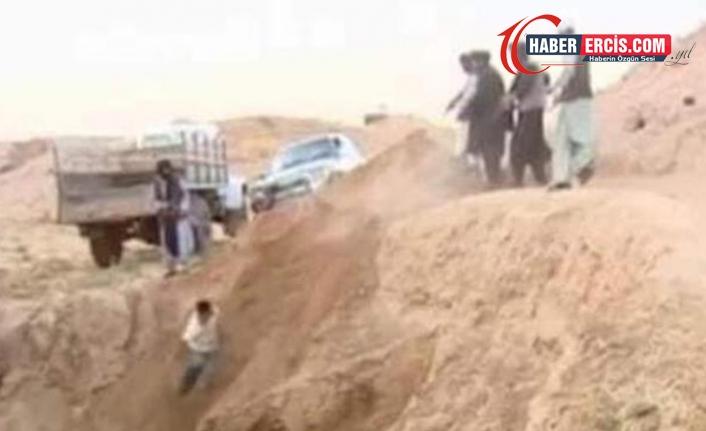 Taliban toplu infaz yaptı, kurşuna dizilen Afganlar çukura atıldı