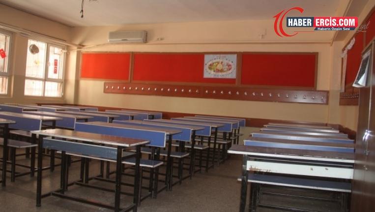 Van'da Pandemi sürecinde onarılmayan okullar yeni onarılıyor