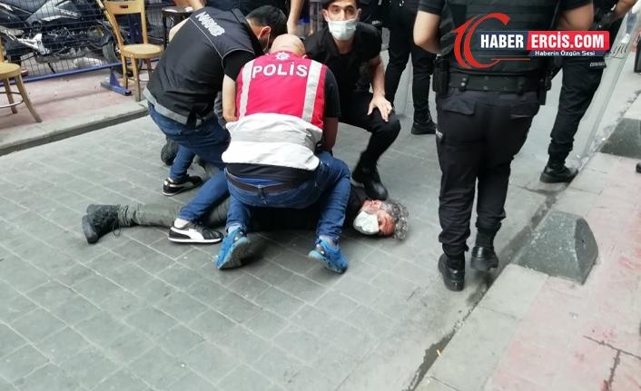 Ağustos'ta 8 gazeteci saldırıya uğradı, 211 habere erişim engeli geldi