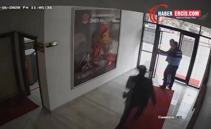 AKP'li başkanı belediyede bir yurttaşı dövdü, görüntüleri mahkemeden sakladı