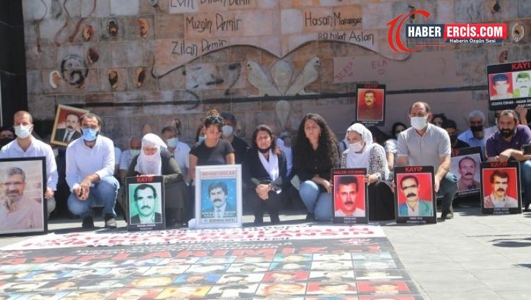 Kayıp yakınları 158 hafta sonra Yaşam Hakkı Anıtı önünde buluştu