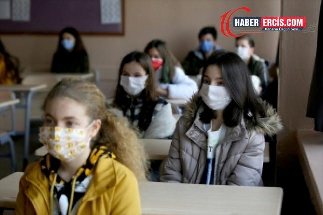 MEB'den Covid-19 pozitif vaka rehberi: Karantina yok, eğitime devam