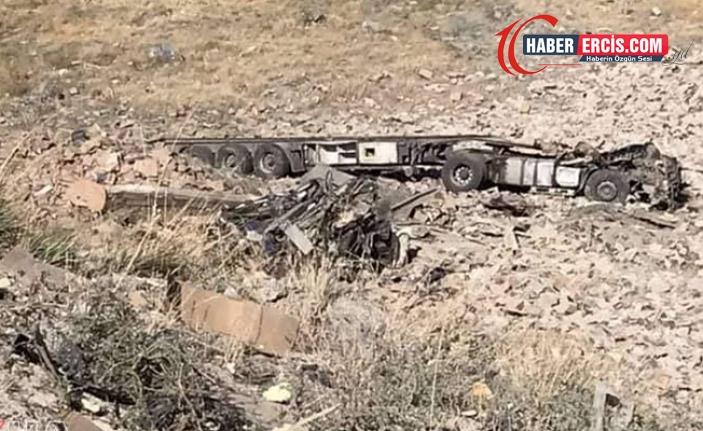 Tendürek Geçidi'nde şarampole yuvarlanan tırın şoförü ile arkadaşı hayatını kaybetti