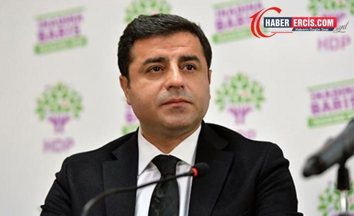 Demirtaş'ın Davutoğlu'na 'hakaret' davası ertelendi