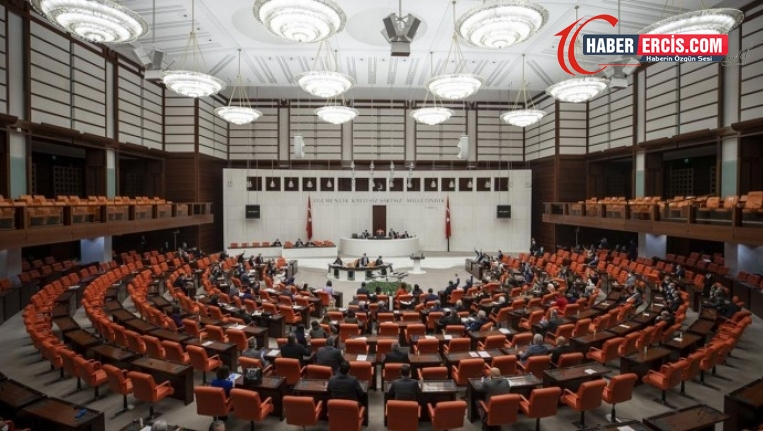 Meclis'te Kobanê tartışması: AKP'li Eronat Demirtaş'a 'katil' dedi
