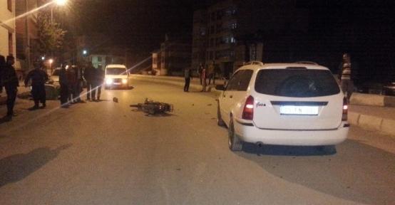 Çorum'da Motosiklet Otomobille Çarpıştı: 1 Yaralı