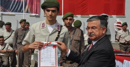 Engelli Vatandaşların Askerlik Sevincine Milli Savunma Bakanı İsmet Yılmaz Da Ortak Oldu