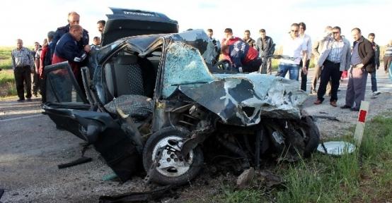 Konya'da 3 Araç Birbirine Girdi: 1 Ölü, 4 Yaralı
