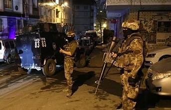 Van ve Diyarbakır'da 8 sanatçı gözaltına alındı
