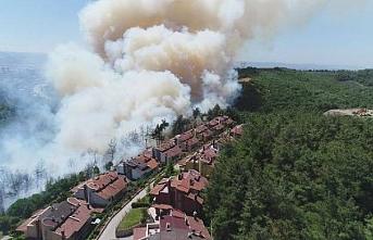 Bursa'da yangın: Alevler evlere ilerliyor