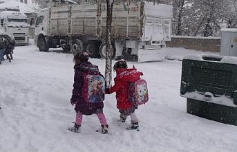 Erciş'te Okullar tatil edildi