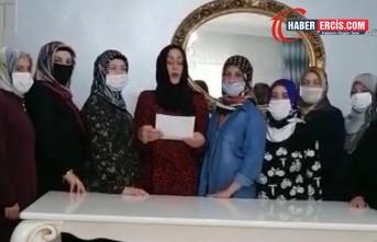 Erciş'te AKP Kadın Kolları Yönetimi Topluca İstifa etti