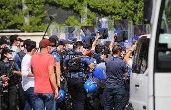 Ulucanlar Cezaevi önünde  müdahale: Veli Saçılık, darp edilerek gözaltına alındı