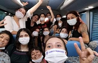 İzmir'deki kadın yürüyüşüne polis müdahalesi: 16 kadın gözaltına alındı