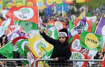 'AKP, HDP'lilerin vekilliğini düşürüp ara seçime girmeyi planlıyor'